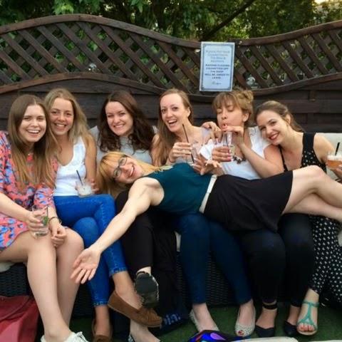 Girls-Night-Hoxton-Square-London