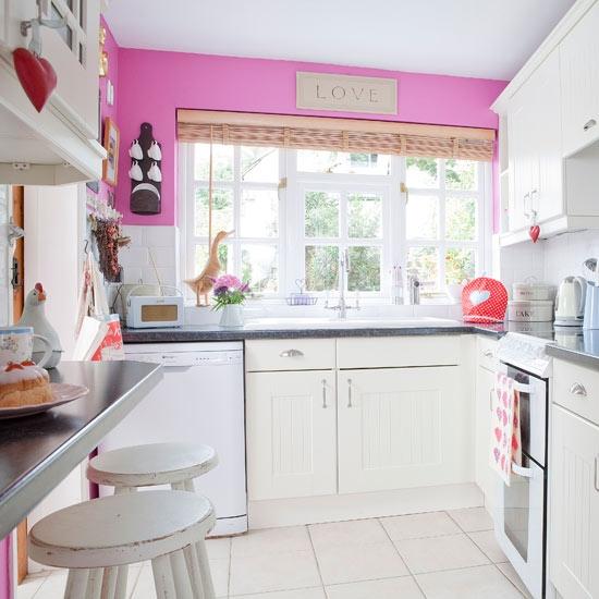 Untuk Menampn Dapur Kelihatan Menarik Gunakan Warna Yang Terang Pada Satu2 Sudut Tertentu Atau Barang2 Perhiasan Ianya Adalah