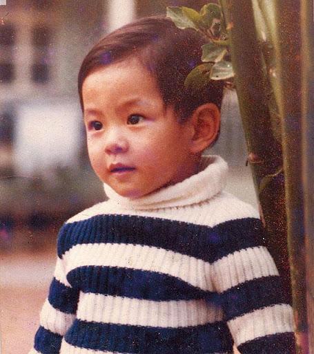 蕭正楠三歲時的他已經一副公子相