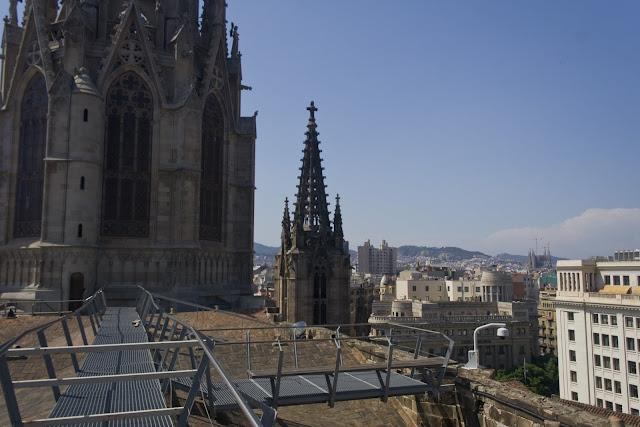 Desde el tejado de la Catedral, con la Sagrada Familia a la derecha
