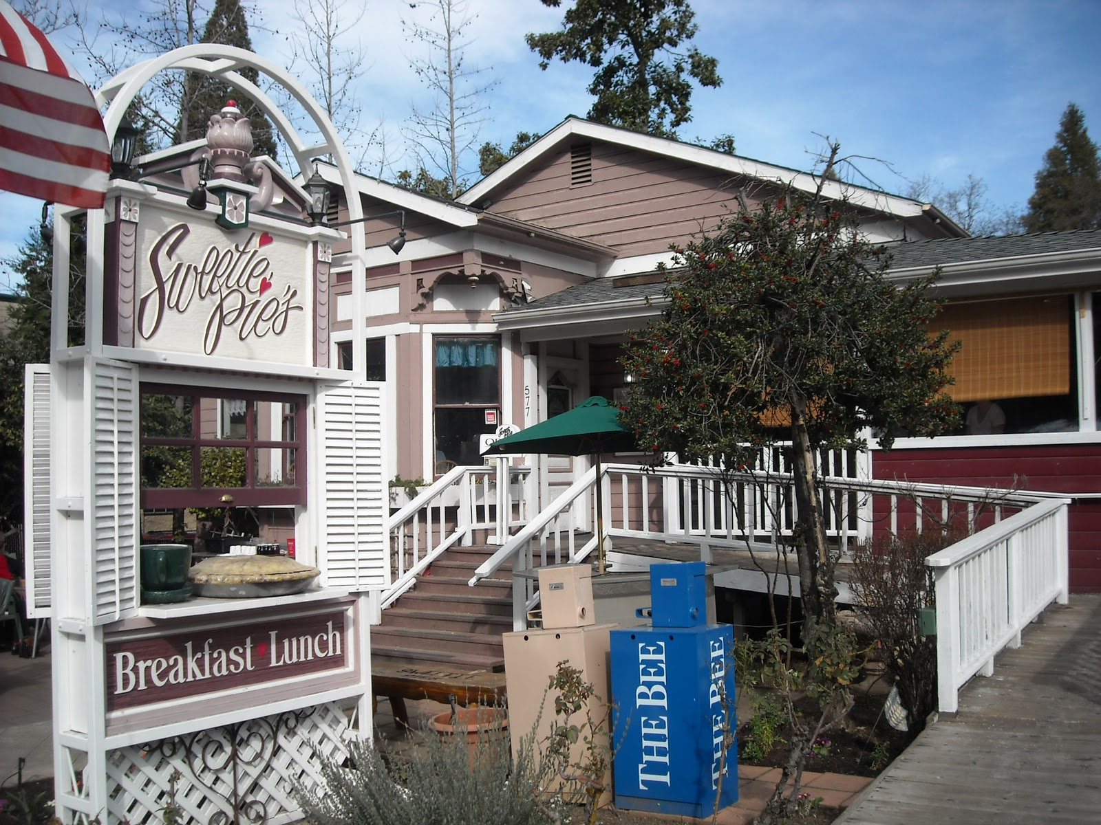 Backyard Nursery Placerville : Lots of cute old buildings in the old part of town