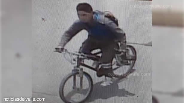 Cámaras captan a persona con herramientas minutos antes robada
