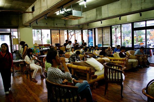 今回のセミナー会場は、カフェ tab'spotです。