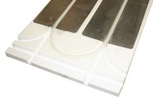 Bild på golvvärme i spårade cellplastskivor