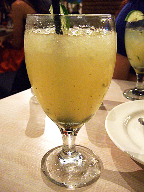 Non-alcoholic lime mojito