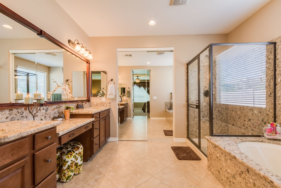 New Home in Gilbert AZ showcases this master bathroom