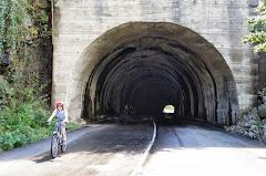 Туннели с водопадами внутри