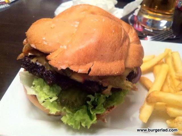 Ruby Tuesday Spicy Jalapeño Pretzel Cheeseburger