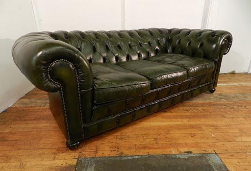 Sillon sofa chester chesterfield 3 cuerpos en cuero vacuno for Sillon chesterfield cuero