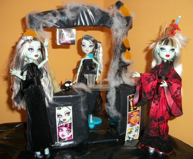 Fiesta DIY de Halloween de Bea-Trici: las tres Frankies juntas