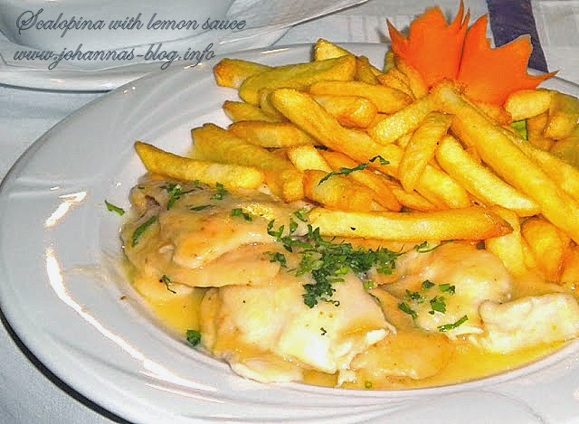 Chicken scaloppine with lemon sauce