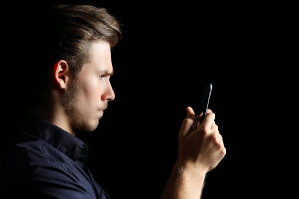 Jóvenes adictos a las apps