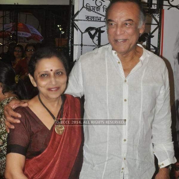 Barun Chandra with his wife during the premiere of Ranjan Ghosh's movie Hrid Majhare at Priya in Kolkata.