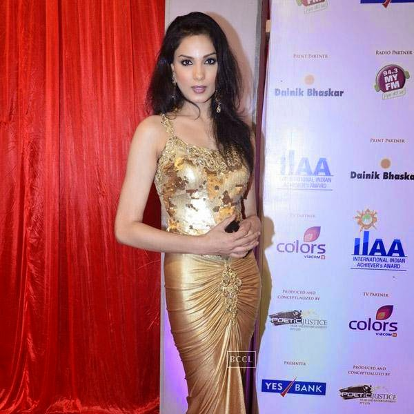 A guest at the International Indian Achievers Awards event, held at Filmcity in Mumbai. (Pic: Viral Bhayani)