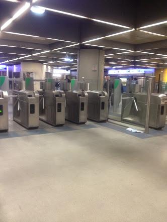 [Image: tu+RER+qua+metro.JPG]