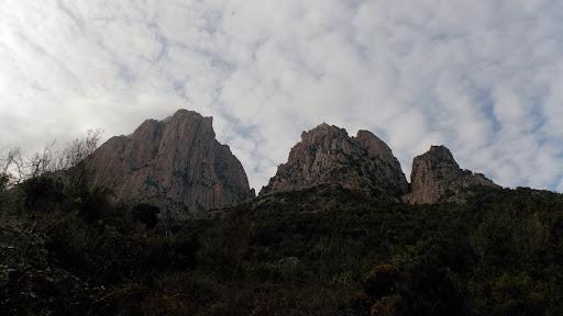 Du sentier de dsecente de Foce d'Ortu, Capu d'Ortu, Signore Centrale et Orientale et les deux ravins SE du massif