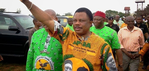 Chief-Willie-Obiano-Anambra-state-election-2013-rhodiesworld-702x336.jpg