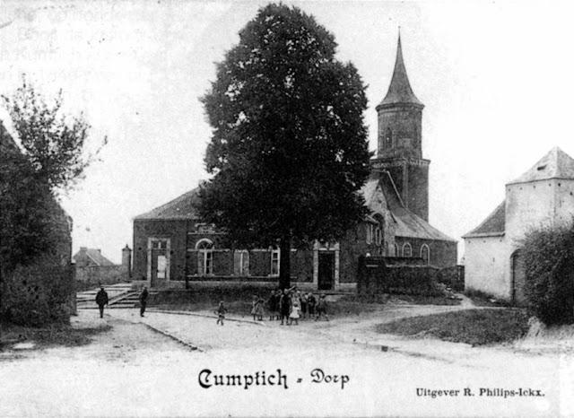 Figuur 19: De Kerk van Kumtich met school en gemeentehuis.