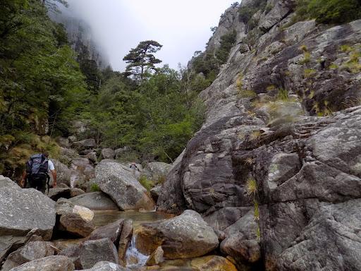 Retour dans le Pulischellu en amont de la Grande Cascade (photo Olivier Hespel)