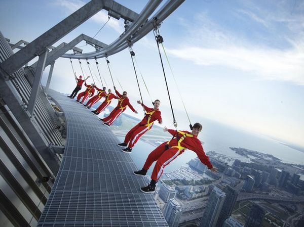 17On the Edgewalk in Toronto