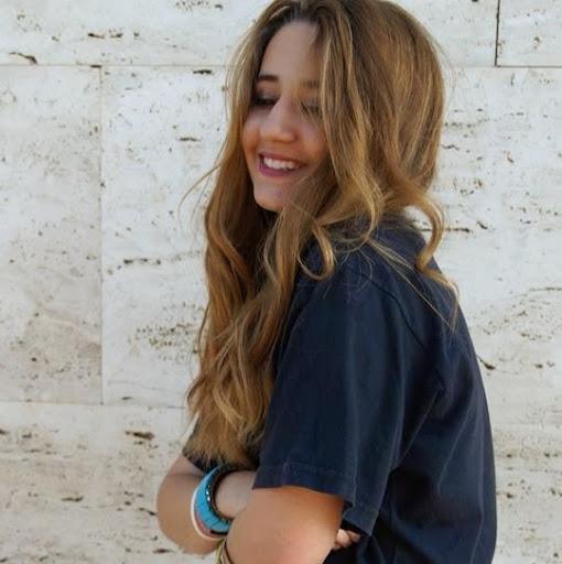Andrea Villar Photo 24