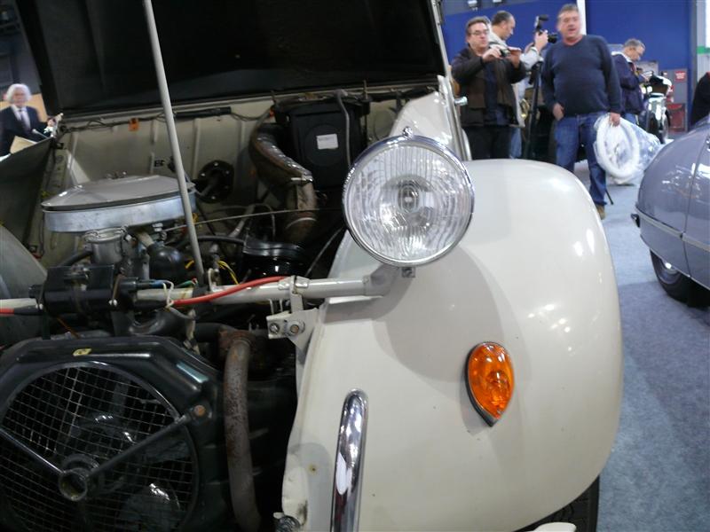 [SALON] Retromobile 2012 Small_P1100610