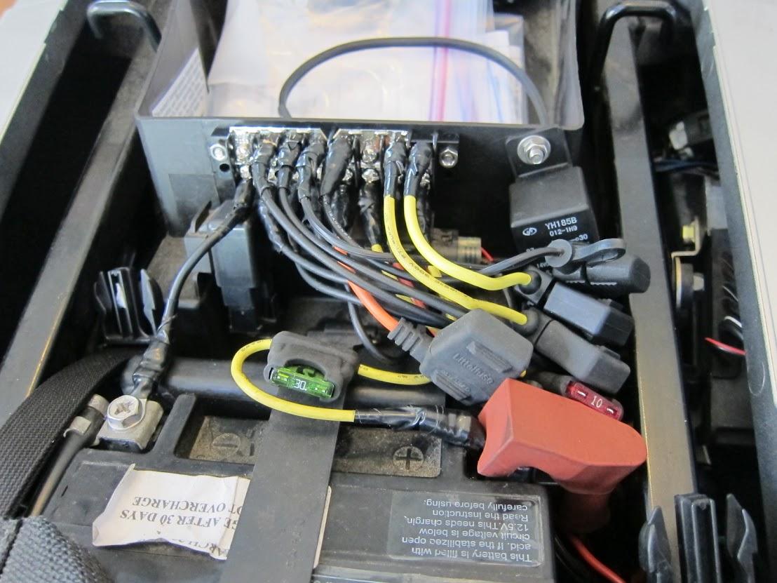 distribution blocks stromtrooper forum suzuki v strom motorcycle rh stromtrooper com wiring motorcycle fuse block Motorcycle Wiring Harness Diagram
