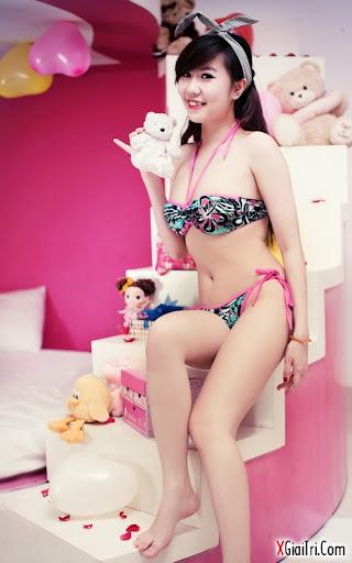 Bikini- nóng rực cả người