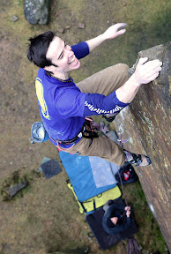 Picasa image: Masters Edge E7 6C - topping out Ph nicksmith@climbers.net