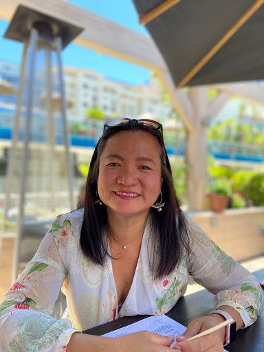 Gina Vaughan Photo 9