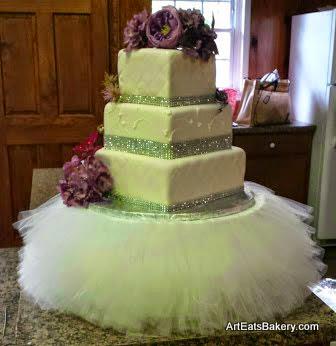 Wedding Cake Stand 30 Fancy Three tier modern white