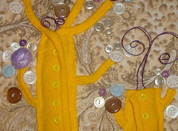 поделки из ткани, ниток и пуговиц