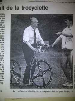 Louis-Geroges BOGRAND et la Trocyclette avec roues carbone Corima