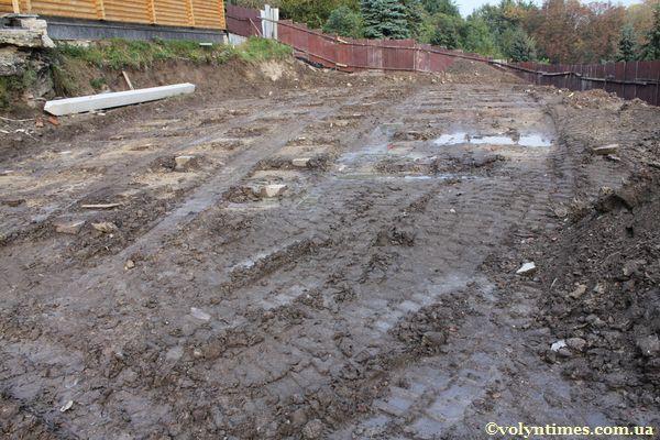 Знищений археологічний розкоп. Фото 02.10.2012 р.