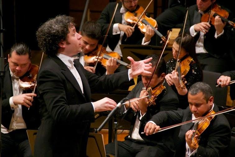 La Orquesta Sinfónica Simón Bolívar (OSSBV) y Gustavo Dudamel, revivieron la obra del alemán Richard Wagner, al interpretar fragmentos de su saga operística El anillo de nibelungo