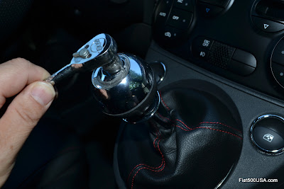 Fiat 500 Accessories: Installing a Shift Knob by Black