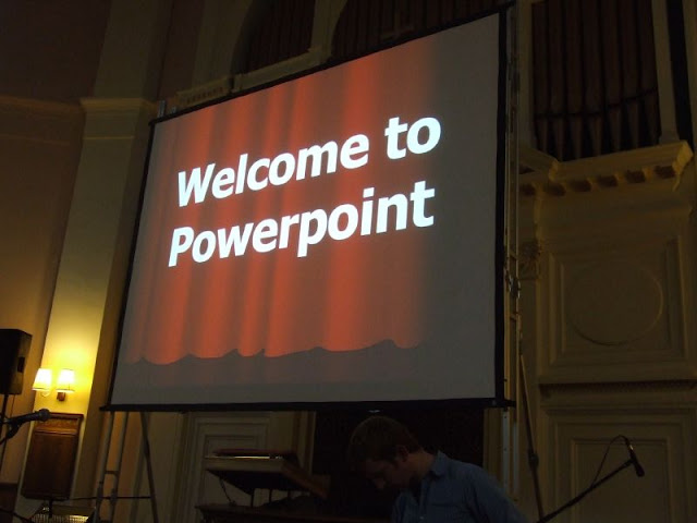 Welcome to Powerpoint by Gareth Saunders