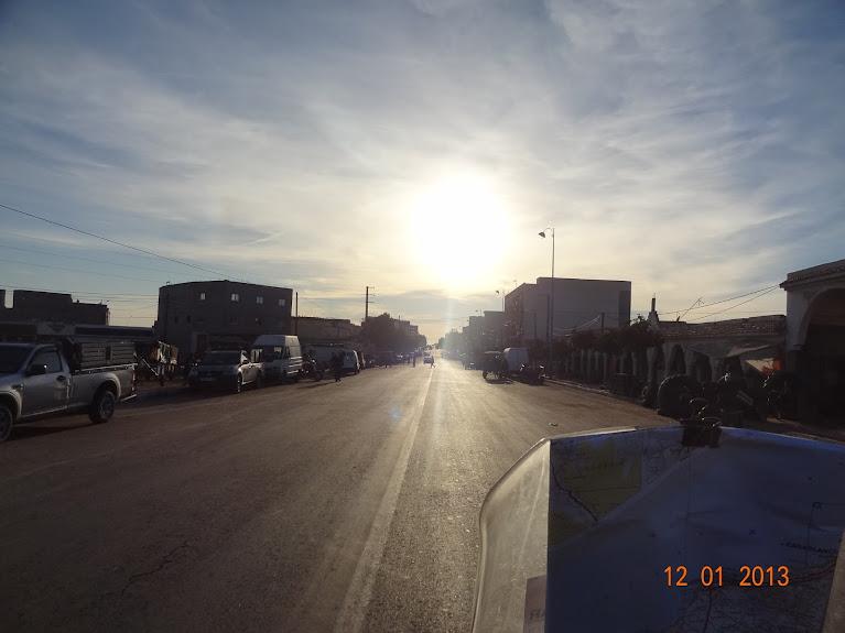 Marrocos e Mauritãnia a Queimar Pneu e Gasolina - Página 2 DSC05524