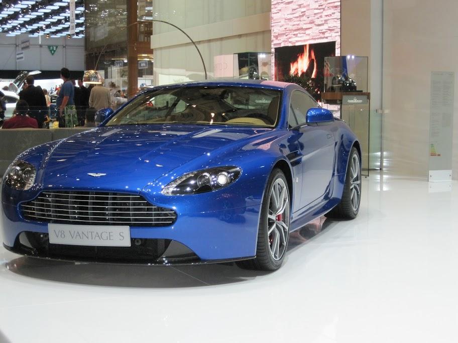 2011 - [Aston Martin] Vantage restylée SalonGen%25C3%25A8ve%2520240
