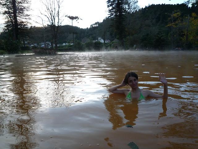 Saludando desde la piscina termal