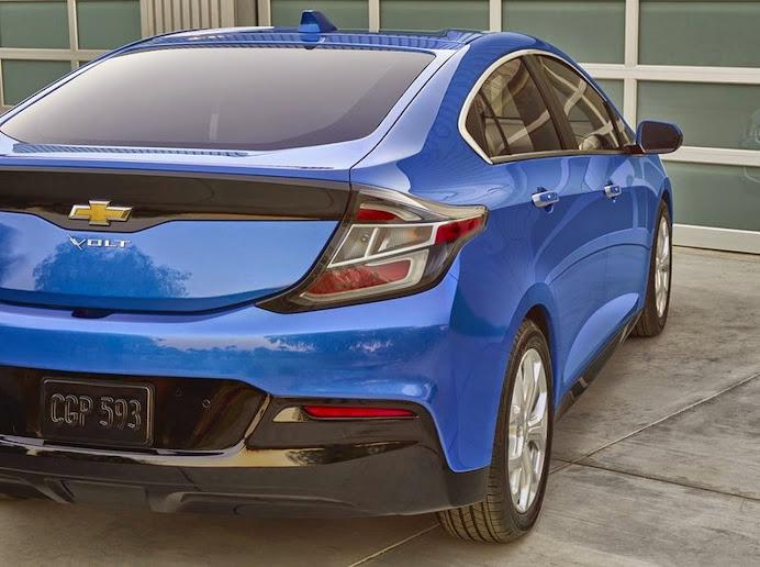 2016-Chevrolet-Volt-021.jpg