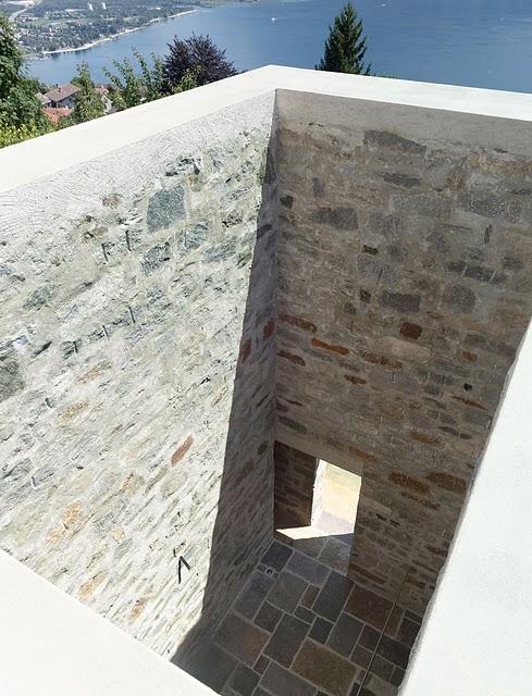 6 Самые красивые дома мира | Фото интерьера каменного дома в Швейцарии