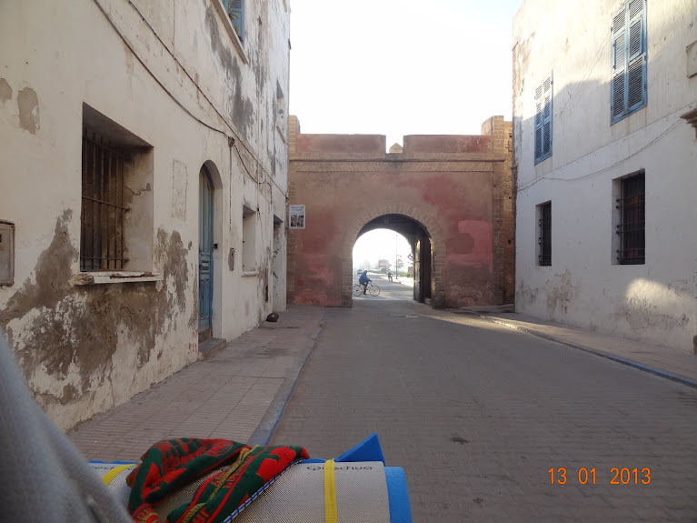 Marrocos e Mauritãnia a Queimar Pneu e Gasolina - Página 3 DSC05579