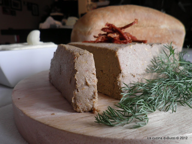 Paté di sardine con burro al sale affumicato della Danimarca e pane in cassetta al latticello