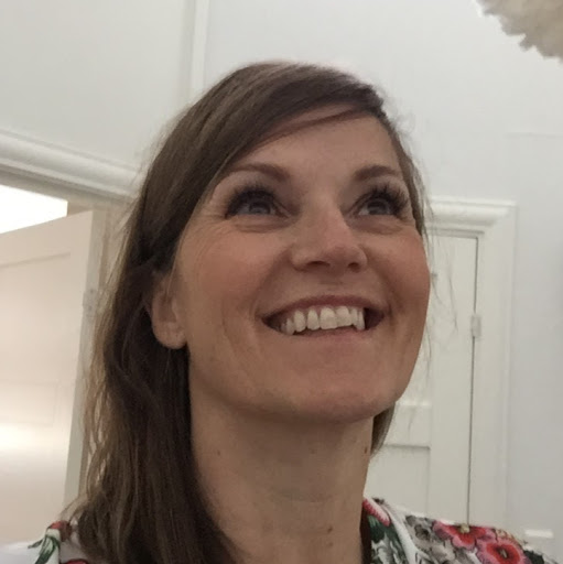 Pia Cernic - photo