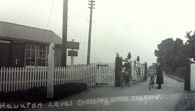 The railway crossing, Hauxton Road, Little Shelford