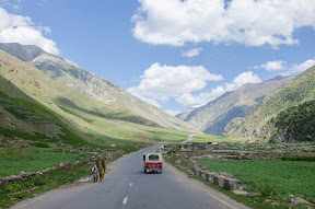 Road to jalkhad.