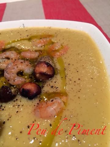Vellutata di ceci con porcini trifolati, gamberi e macadamia