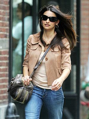 Penelope Cruz Hair, Long Hairstyle 2013, Hairstyle 2013, New Long Hairstyle 2013, Celebrity Long Romance Hairstyles 2158