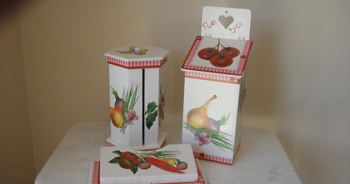 Adesivo De Guarda Roupa Infantil ~ Artesanatos Goi u00e2nia Mina das Artes Jogo de peças para cozinha Pintura em madeira